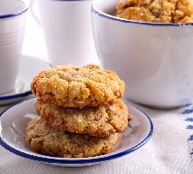 Ciasteczka owsiane z rodzynkami: łatwy przepis bez mąki