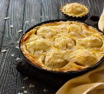 Ciasto z połówkami jabłek - łatwy przepis na jabłka pieczone w cieście