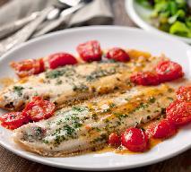 Ryba w pomidorach: przepis kuchni greckiej