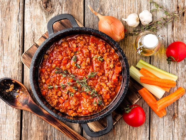 Spaghetti Z Sosem Pomidorowym Przepis Na Szybki I Smaczny Obiad