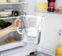 Co zrobić z wkładami filtrującymi wodę? Wrzuć do specjalnego pojemnika!