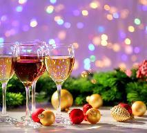 Jakie wino podać na Wigilię? Który alkohol pasuje do wigilijnych potraw? [WIDEO]