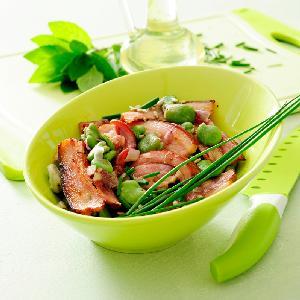 Bób z warzywami i boczkiem - pomysł na ciepłe danie z bobem