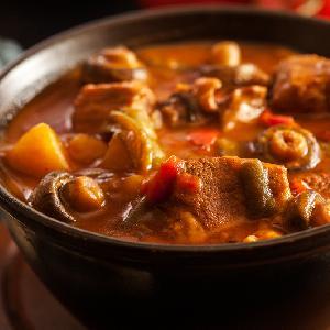 Zupa gulaszowa - przepis na treściwą zupę idealną na obiad