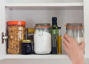 W czym przechowywać żywność? Jakie pojemniki do czego?