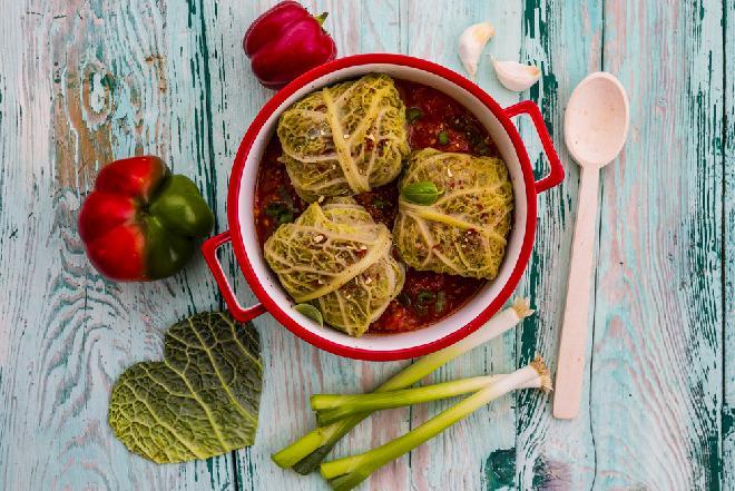 Gołąbki po meksykańsku z papryką w sosie pomidorowym