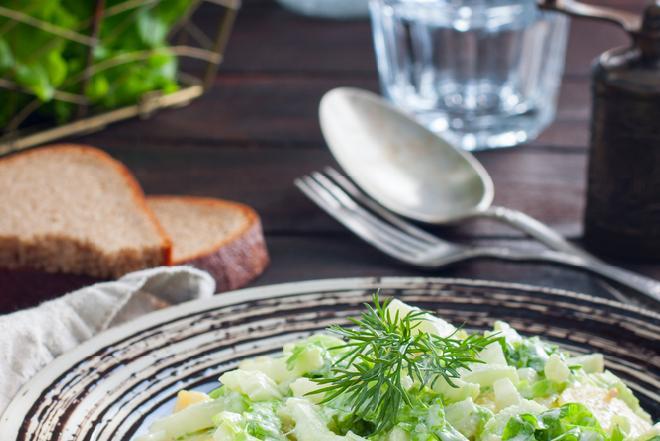 Zielona sałatka ziemniaczna - smakowity dodatek do grilla