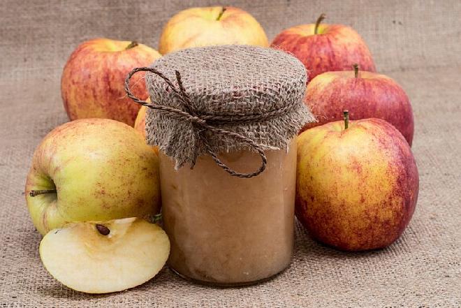 Przecier jabłkowy: przepis na pyszny przecier z jabłek na zimę