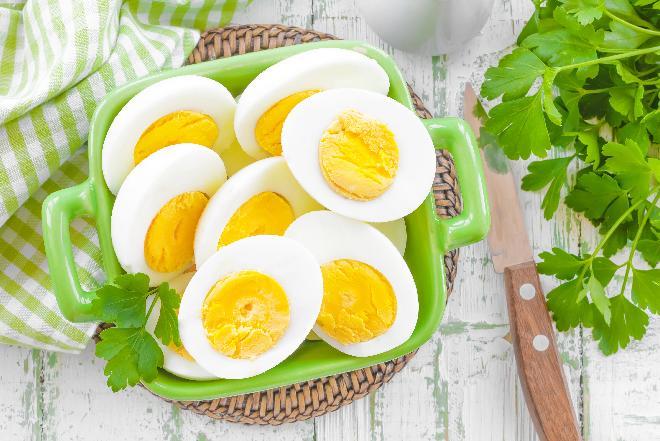 Jajka na twardo: jak ugotować jajka na twardo [WIDEO]